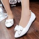 รองเท้าคัทชูส้นแบนสีขาว หัวแหลม แต่งโบว์ ขอบแบบลอน วัสดุPU สไตล์หวาน น่ารัก แฟชั่นเกาหลี