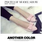 รองเท้าส้นแบนผู้หญิงสีดำ หุ้มส้น หัวแหลม ประดับโบว์เล็ก ส้นสูง1ซม. แฟชั่นเกาหลี
