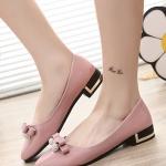 รองเท้าคัทชูแฟชั่นสีชมพู หัวแหลม แต่งโบว์ประดับเพชร วัสดุพียู ส้นแต่งอะไหล่สีทอง สไตล์เจ้าหญิง หวานน่ารัก แฟชั่นเกาหลี