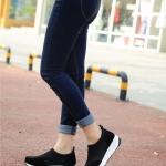 รองเท้าผ้าใบเสริมส้นสีดำ วัสดุผ้าขนสัตว์ แบบสวม กระชับเท้า รองรับน้ำหนักได้ดี ส้นสูง4cm ทรงทันสมัย แฟชั่นเกาหลี