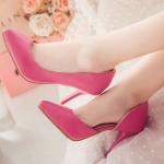 รองเท้าส้นสูงสีแดง หุ้มส้น หัวแหลม แนวหวาน เจ้าหญิง ส้นสูง8.5cm แฟชั่นเกาหลี