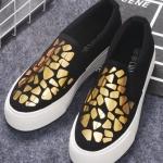 รองเท้าผ้าใบแฟชั่นผู้หญิงสีทอง-ดำ พื้นแบน พื้นสีขาว ใส่เหยียบส้น ทรงทันสมัย แฟชั่นเกาหลี