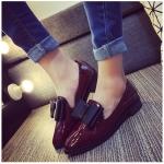 รองเท้าคัทชูผู้หญิงสีแดง หนังแก้ว หัวแหลม ประดีบโบว์ ส้นสูง3ซม. แฟชั่นเกาหลี