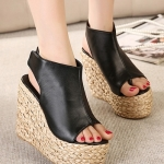 รองเท้าส้นเตารีดแบบรัดส้น สไตล์โรมัน (สีดำ)