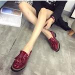 รองเท้าคัชชูผู้หญิงสีแดง ทำจากหนัง หัวหลม ประดับภู่ระบาย แนวย้อนยุค วินเทจ แฟชั่นเกาหลี