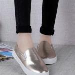 รองเท้าผ้าใบผู้หญิงสีทอง หัวกลม แบบสวม พื้นหนา สวมใส่สบาย แฟชั่นเกาหลี