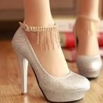 รองเท้าส้นสูงสีเงิน หัวกลม หุ้มส้น ประดับกากเพชร หรูหรา เหมาะใส่งานแต่งงาน ส้นสูง7.5cm พืนหนา3cm แฟชั่นเกาหลี