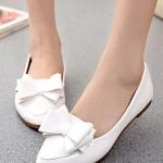 รองเท้าคัทชูส้นแบนสีขาว หัวแหลม แต่งโบว์ ทรงอาซาคุจิ สไตล์หวาน น่ารัก แฟชั่นเกาหลี