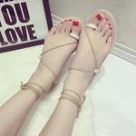 รองเท้าแตะผู้หญิงสีครีม แบบรัดข้อเท้า พื้นแบนเรียบ สไตล์โรมัน แฟชั่นยุโรป