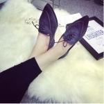 รองเท้าส้นแบนผู้หญิงสีเทา หัวแหลม แบบเชือกผูก ส้นสูง1ซม. แฟชั่นเกาหลี