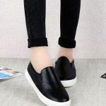 รองเท้าผ้าใบผู้หญิงสีดำ หัวกลม แบบสวม พื้นหนา สวมใส่สบาย แฟชั่นเกาหลี