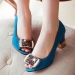 รองเท้าส้นสูงสีฟ้า หุ้มส้น หนังไมโครไฟเบอร์ ประดับเข็มกลัดประดับเพชร หรุหรา ส้นสูง7cm แฟชั่นเกาหลี