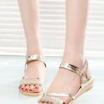 รองเท้าแตะผู้หญิงสีทอง รัดส้น ประดับเพชร สไตล์โบฮีเมียน หรูหรา ใส่แล้วเท้าขาวสวย แฟชั่นเกาหลี