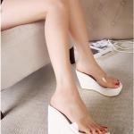 รองเท้าส้นเตารีดทรงมัฟฟิน แบบสวม เปิดส้น (สีขาว)