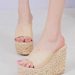 รองเท้าแตะส้นเตารีด แบบสวม ส้นลายสาน (สีแอปปริคอท)