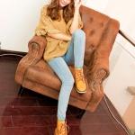 รองเท้าบู๊ทผู้หญิงสีเหลือง หัวหลม แบบเชือกผูก ทรงมาร์ติน แฟชั่นเกาหลี