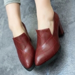 รองเท้าคัตชูผู้หญิงสีแดง หนังเย็บ แบบสวม ส้นสูง ทรงสุภาพ ใส่ทำงาน