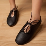 รองเท้าหนังหุ้มส้นผู้หญิงสีดำ แบบพื้นเรียบ มีเชือกรัด แฟชั่นเกาหลี