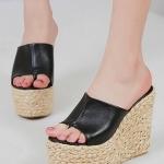 รองเท้าแตะส้นเตารีด แบบสวม ส้นลายสาน (สีดำ)
