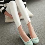 รองเท้าส้นแบนสีฟ้า ทูโทน หุ้มส้น หัวกลม ประดับโบว์และระบายลายลูกไม้ ทรงตุ๊กตา น่ารัก แฟชั่นเกาหลี