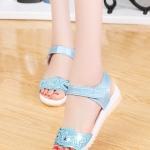 รองเท้าแตะผู้หญิงสีฟ้า รัดส้น หัวแต่งลายหัวใจ น่ารัก หวานแหวน ไม่ผิดหวัง สาวๆชอบกัน แฟชั่นเกาหลี