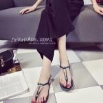 รองเท้าแตะผู้หญิงสีเขียว ส้นแบน ประดับเพชร รัดส้น ดูดี สไตล์โรมัน แฟชั่นเกาหลี