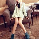 รองเท้าบู๊ทผู้หญิงสีฟ้า หัวกลม แบบผูกเชือก โชว์ลายเย็บ ส้นเตี้ย แฟชั่นเกาหลี