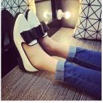รองเท้าคัทชูผู้หญิงสีขาว หนังแก้ว หัวแหลม ประดีบโบว์ ส้นสูง3ซม. แฟชั่นเกาหลี