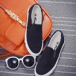 รองเท้าผ้าใบแฟชั่นผู้หญิงสีดำ แบบสวม ใส่ลำลอง พื้นสีขาว ปั๊มตราดาว ทรงทันสมัย เรียบง่าย แฟชั่นเกาหลี