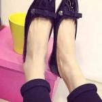 รองเท้าส้นแบนแฟชั่นสีดำ หัวเหลี่ยม ทรงอาซาคุจิ แต่งโบว์ วัสดุPU ทรงน่ารัก แฟชั่นเกาหลี