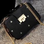 กระเป๋าสะพายข้างสีดำ ทรงสี่เหลี่ยม สายสะพายแบบสร้อยสีทอง ช่องอเนกประสงค์3ช่อง แฟชั่นเกาหลี