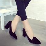 รองเท้าส้นสูงสีดำ หนังนิ่ม หัวแหลม ส้นหนา ส้นสูง7ซม. ใส่ทำงาน แฟชั่นเกาหลี