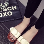 รองเท้าแตะผู้หญิงสีขาว หัวเข็มขัด แบบสวม แนววินเทจ แฟชั่นเกาหลี