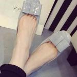 รองเท้าหุ้มส้นผู้หญิงสีเทา หัวกลม ประดับโบว์ หนังแก้ว น่ารัก แฟชั่นเกาหลี