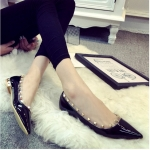 รองเท้าทำงานผู้หญิงสีเทา ส้นแบน หัวแหลม ประดับหมุด แฟชั่นเกาหลี