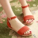 รองเท้าแตะผู้หญิงสีส้ม ทูโทน รัดส้น แบบสวม พื้นแบน สล์โรมัน มีเข็มขัดรัดข้อเท้า แฟชั่นเกาหลี