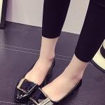 รองเท้าคัทชูส้นแบนสีดำ หังแหลม แต่งหัวเข็มขัดสีทองฝังเพชร หรูหรา ทรงทันสมัย สไตล์ญี่ปุ่น สินค้ายอดนิยม แฟชั่นเกาหลี