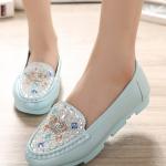 รองเท้าคัทชูผู้หญิงสีเขียว ส้นเตี้ย ประดับแผ่นโลหะrhinestones น่ารัก แฟชั่นเกาหลี