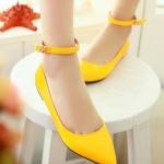 รองเท้าส้นแบนผู้หญิงสีแอปริคอท หุ้มส้น หัวแหลม หนังแก้ว มีเข็มขัดรัดข้อเท้า น่ารักสไตล์เกาหลี
