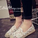 รองเท้าผ้าใบผู้หญิงสีขาว ลายลูกไม้ ส้นแบน ดูดี แฟชั่นเกาหลี