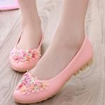 รองเท้าคัทชูส้นเตี้ยสีชมพู ลายดอกไม้ หนังPU พื้นยาง สไตล์หวาน พื้นนุ่ม ใส่สบายเท้า แฟชั่นเกาหลี
