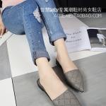 รองเท้าแตะผู้หญิงสีเทา หัวแหลม แบบสวม ส้นเตี้ย ดูดี สวมใส่สบายเท้า แฟชั่นเกาหลี