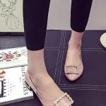 รองเท้าคัทชูส้นเตี้ยสีชมพู หัวแหลม ประดับหัวเข็มขัดฝังเพชร หรูหรา วัสดุพียู สไตล์ญี่ปุ่น แฟชั่นเกาหลี