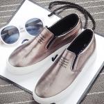 รองเท้าผ้าใบแฟชั่นผู้หญิงสีทอง วัสดุหนัง พื้นหนา แบบสวม เรียบง่าย ดูดี แฟชั่นเกาหลี