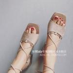 รองเท้าแตะผู้หญิงสีขาว ส้นเตี้ย รัดส้น แบบสายรัด วัสดุพียูคุณภาพ ดูดี แฟชั่นเกาหลี