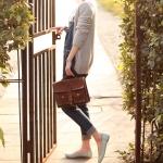 รองเท้าส้นแบนผู้หญิงสีฟ้า หุ้มส้น หัวแหลม ฉลุลาย ใส่แล้วเท้าเล็ก แนวหวาน น่ารัก แฟชั่นเกาหลี