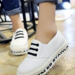 รองเท้าผ้าใบส้นตึกสีขาว ทรงมัฟฟิน แบบสวม พิมพ์ลายอักษร สไตล์ลำลอง แฟชั่นเกาหลี