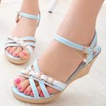 รองเท้าส้นเตารีดสีม่วง แบบรัดส้น ประดับมุก หวานแหวว น่ารัก สายรัดปรับระดับได้ กระชับเท้า แฟชั่นเกาหลี