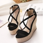รองเท้าส้นเตารีดแบบรัดส้น สายไขว้ (สีดำ)