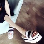 รองเท้าแตะผู้หญิงสีดำ แบบสวม ส้นตึก แฟชั่นเกาหลี